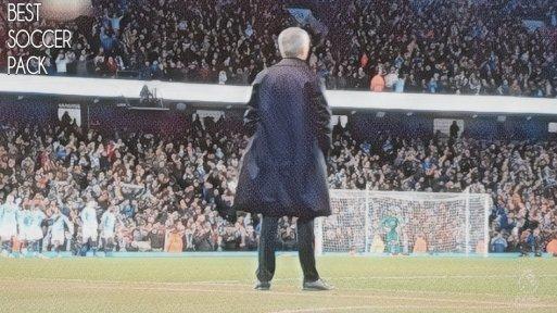 Jose Mourinho parece estar perdido e isolado no United